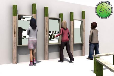 Verwendung von Spiegeln im Freien, schön an Stangen aufgehängt.