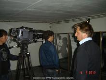 Der Regisseur und die Models bei der Arbeit.