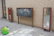 Tafel und 2 lachende Spiegelkleinkind. 120 x 40 cm. Verwendung im Freien.