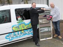 Am 15. März 2012 haben wir der Stichting Opkikker einen Lachspiegel übergeben.